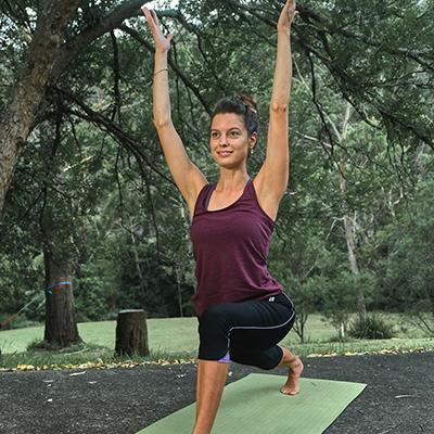 wollongong yoga teacher lisa stelling