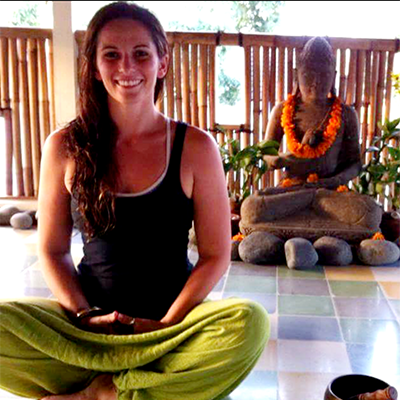 lana teacher at yoga hive wollongong